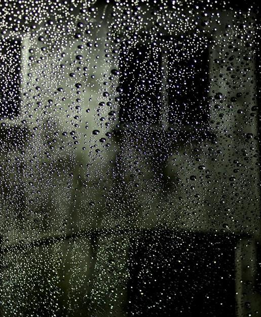 雨の日の午前4時