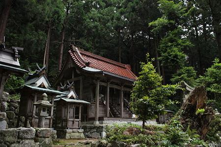 高天彦神社・社殿