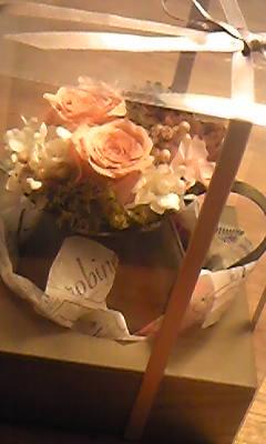 写真: ルクアのお花屋さん可愛いか...