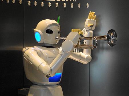 産業技術記念館:トヨタパートナーロボットの演奏