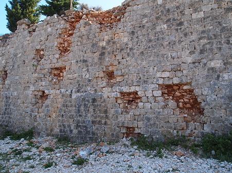 悲しげな壁
