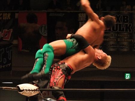 ドラゴンゲート オープン・ザ・ドリームゲート選手権 望月成晃vs戸澤陽 20111012 (17)