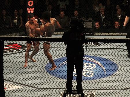 UFC 144 ライト級タイトルマッチ フランク・エドガーvsベンソン・ヘンダーソン (12)