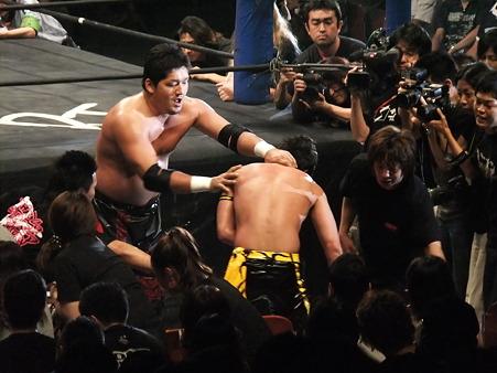 DDT 両国ピーターパン2011 〜二度あることは三度ある〜 KO-D無差別級選手権 石川修司vsKUDO (6)