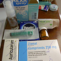Photos: 医師の処方で買った薬類