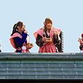 Photos: 豆まき、岡山の歌手ら ♪