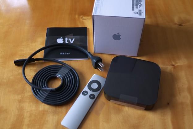写真: 2012.06.21 居間 Apple TV 箱から出てきた物