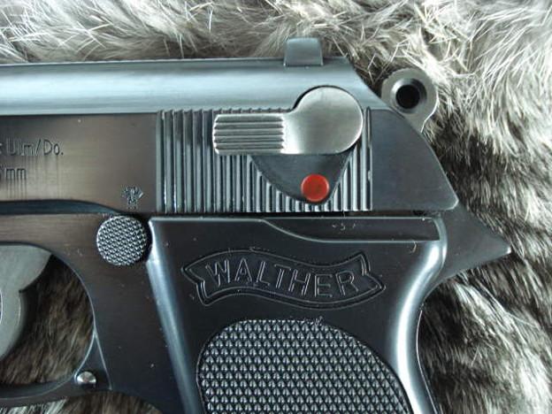 H23/0004 Rainbow Lagoon Walther PPK Remaster