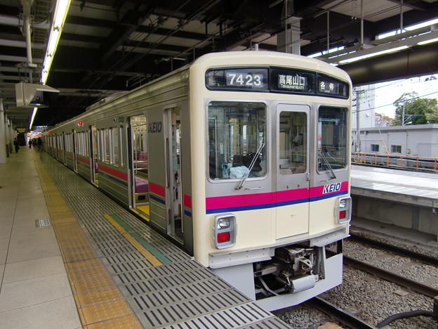 京王7000系(7423F) 各駅停車高尾山口行き