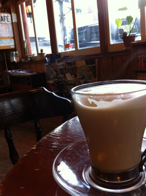 雪国のカフェにて