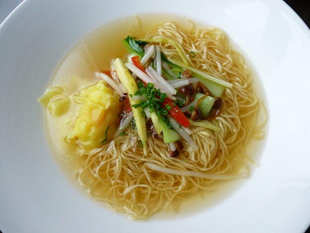 蝦子入り香港細麺の海老ワンタンスープヌードル